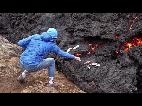 Ισλανδία:Έψησαν χοτ ντογκ πάνω σε ηφαίστειο
