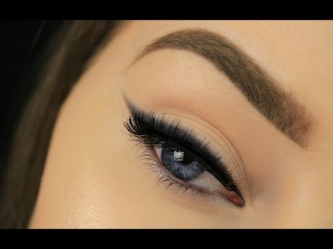 How To: Smokey Winged Eyeliner For Beginners