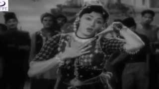 Tum Sune Jao Hum Kahe Jaayen - Asha Bhosle - AMAR