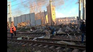 Взрыв на пиротехнического завода «Авангард» в Гатчине. Видео очевидцев