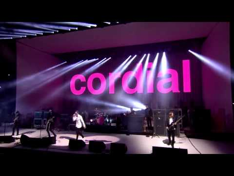 Kasabian - Shoot The Runner (Black Skinhead Intro) - Live At Glastonbury 2014 Mp3