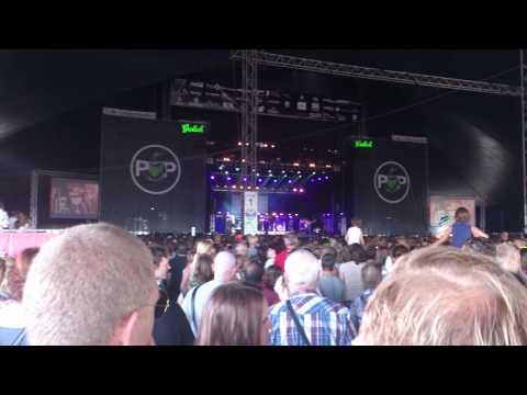 Krystl - Bottles live @ Appelpop Tiel 08-09-'12 HD