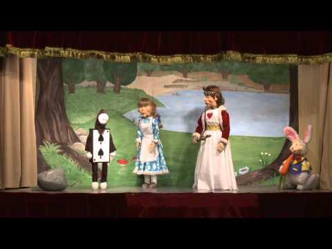 Alicia en el país de las maravillas. Marionetas de Hilando Títeres