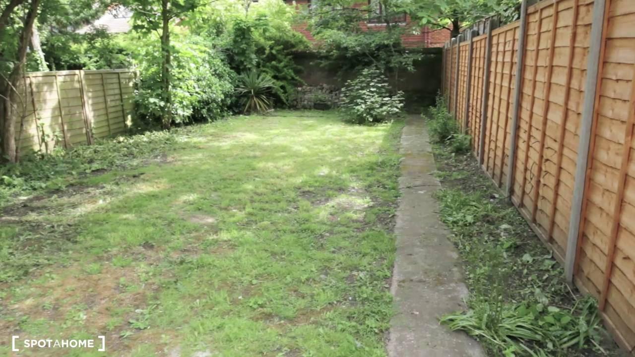 Rooms with double beds to rent in 6-bedroom house in Hither Green - bills included