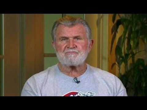 Mike Ditka speaks out on why he's supporting Trump