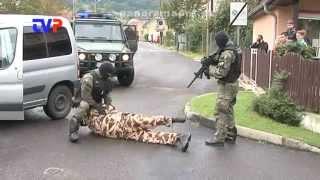 preview picture of video 'V sobotu sa na námestí v Žarnovici strieľalo'