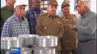 Raul Castro recorre instituciones militares | Kholo.pk