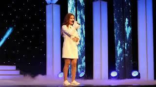 Поет участница 5 го сезона Голос дети Назгуль Отузова