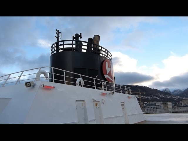 Hurtigruten-reise-tag-1-abfahrt
