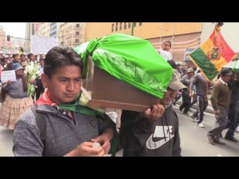 Cocaleros bolivianos marchan en La Paz por muerte de dos compañeros
