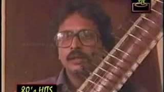 Ente Manveenayil Koodanayaanoru -Neram Pularumbol (1986)