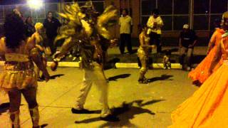 preview picture of video 'Santiago del Estero - Desfile de comparsa - Carnaval 2011 - pat1.MP4'