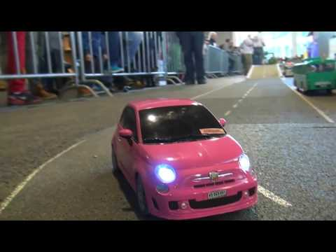 RC MODELL FIAT 500 IN PINK AMAZING CAR