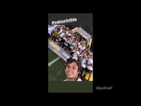 Dentinho, Malcom e Jô comemoram título do Corinthians nas redes sociais