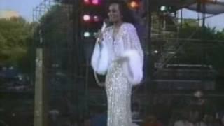 Diana Ross @ Central Park  - Ain't No Mountain High Enough