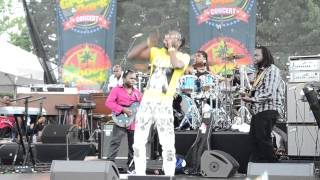 Beenie Man Perform Live At