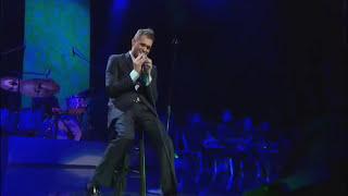 Michael Bublé - Me & Mrs. Jones at Madison Square Garden [Live]