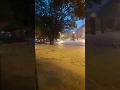 Chuva entre as avenidas Humberto Mauro e Astolfo Dutra