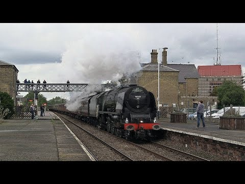 46233 'Duchess of Sutherland' passes Spalding with 'The Moor…