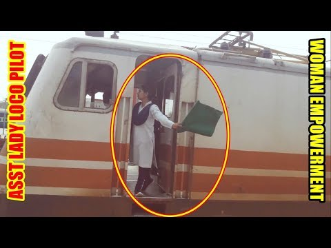 FEMALE LOCO PILOT BECOMES COMMON IN INDIA || LADY ASST LOCO PILOT OF DOUBLE DECKER TRAIN