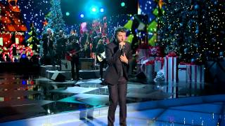 "Brett Eldredge ""What Christmas Means To Me"" - CMA Christmas 2014"