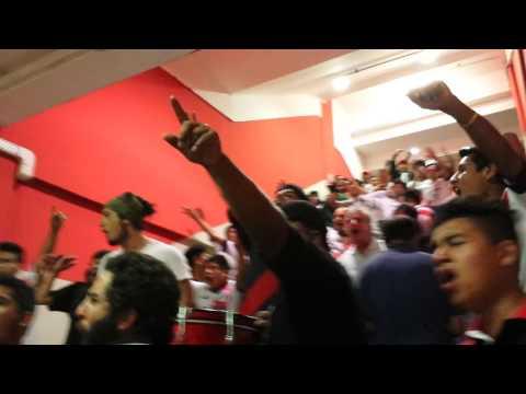 """La banda del basurero"" Barra: La Banda del Basurero • Club: Deportivo Municipal"