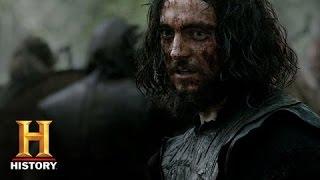 Athelstan Saves Ragnar in Battle (Sneak Peek)