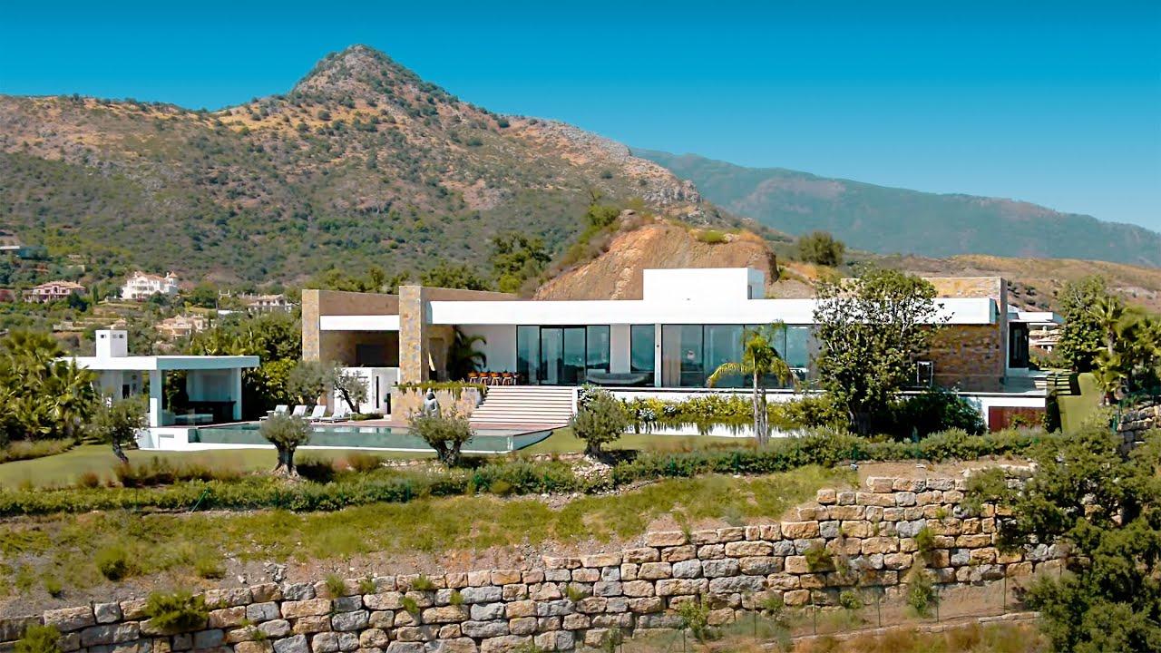 Moderna mansión construida en una sola planta, en venta en Marbella Club Golf Resort
