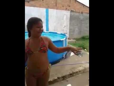 Desafio da piscina com Michaelly  (amiga)☺☺😀🏊🏊