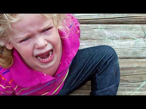 Отучить ребёнка от истерик. Как успокоить ребенка за 2 минуты.