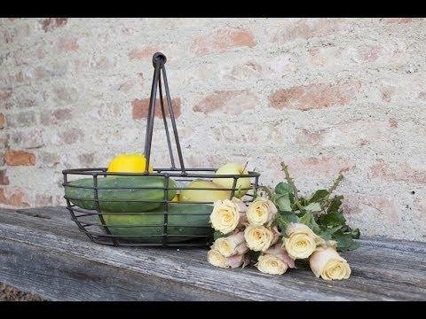 Wohnidee Küche - Obst und Gemüse dekorieren - Dekokorb Margarete Eisen | VARIA LIVING