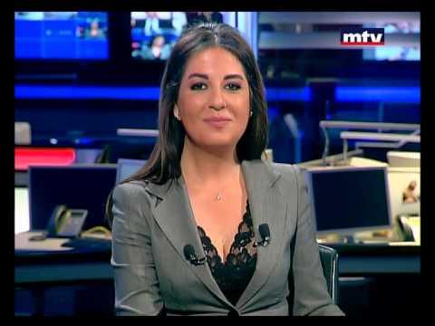 مذيعة لبنانية تدخل في نوبة ضحك على الهواء