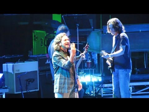 Pearl Jam: Last Exit [HD] 2010-05-20 - New York, NY