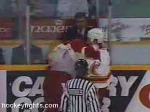 Paul Kruse vs. Darren McCarty
