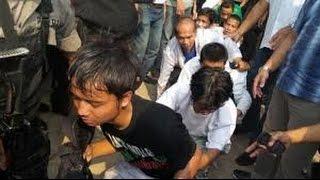 Polisi Jemput Paksa Anggota FPI Di Petamburan