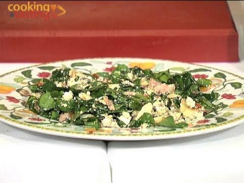 Ensalada de espinacas con queso de cabra / Spinach salad with goat cheese and mustard sauce