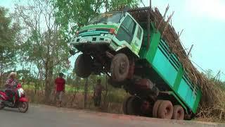Машина встала на дыбы Тайланд