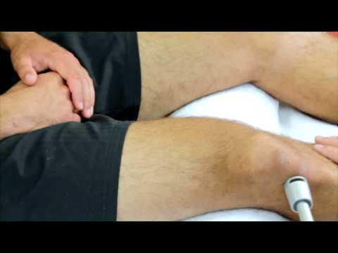 Rückenschmerzen in die Hände gegeben und Kopf