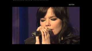 Björk - Live At Grünspan On Music Planet 2Nite (full Set And Interviews - 2002)