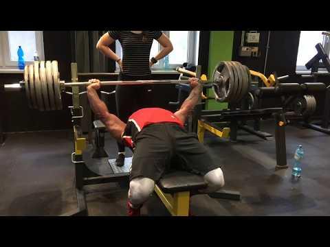 Ćwiczenia z ich wagi wszystkich grup mięśniowych dla nastolatków