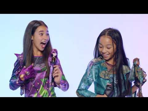 Uma and Mal Dolls Available Now! | Descendants 2