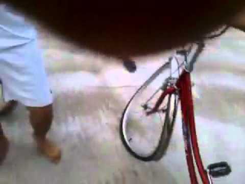 Cuộc thi biểu diễn xe đạp cup nông thôn mở rộng có một sự cố nho nhỏ