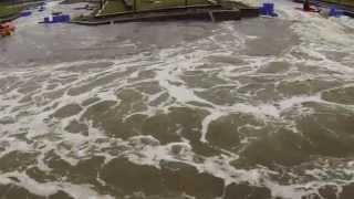 preview picture of video 'Fun-kayak au Stade Eaux Vive de Ste Suzanne'