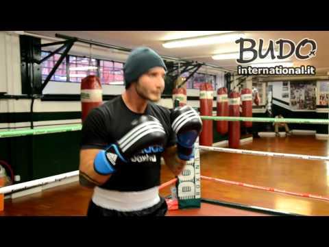 Allenamento di Boxe - Stefano De Martino ai guanti da passata - Budo International