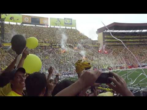 """BARCELONA CAMPEON  salida del barce vs olmedo 2012"" Barra: Sur Oscura • Club: Barcelona Sporting Club"