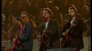On this day in 1993 Crowded House won the Best Group award at the ARIAs