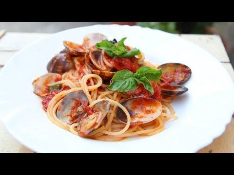 Nonna's Spaghetti with Clams Recipe – Laura Vitale – Laura in the Kitchen Episode 631