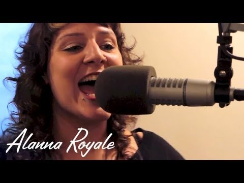 Alanna Royale - Listen To Your Momma - Live at Lightning 100