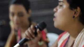 Micaela Gomes  e Sara Lizz cantando Relicário