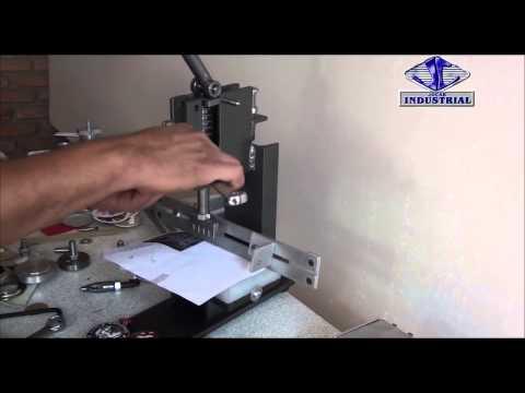 Maquina, prensa JC10 para perforacion continua (peine) [Machine, press for continuous perforation]